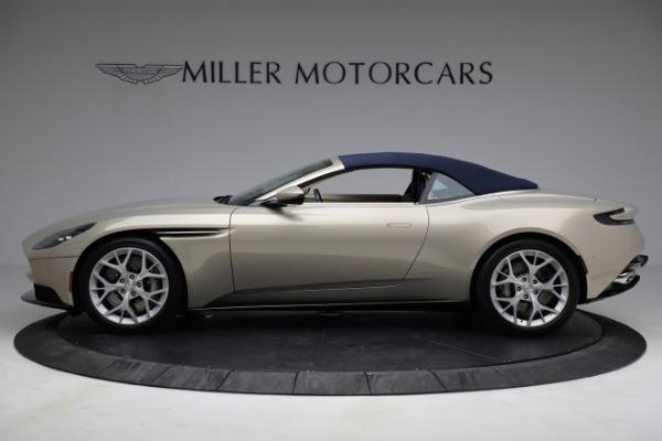 Used 2019 Aston Martin DB11 Volante for sale $209,900 at Pagani of Greenwich in Greenwich CT 06830 26
