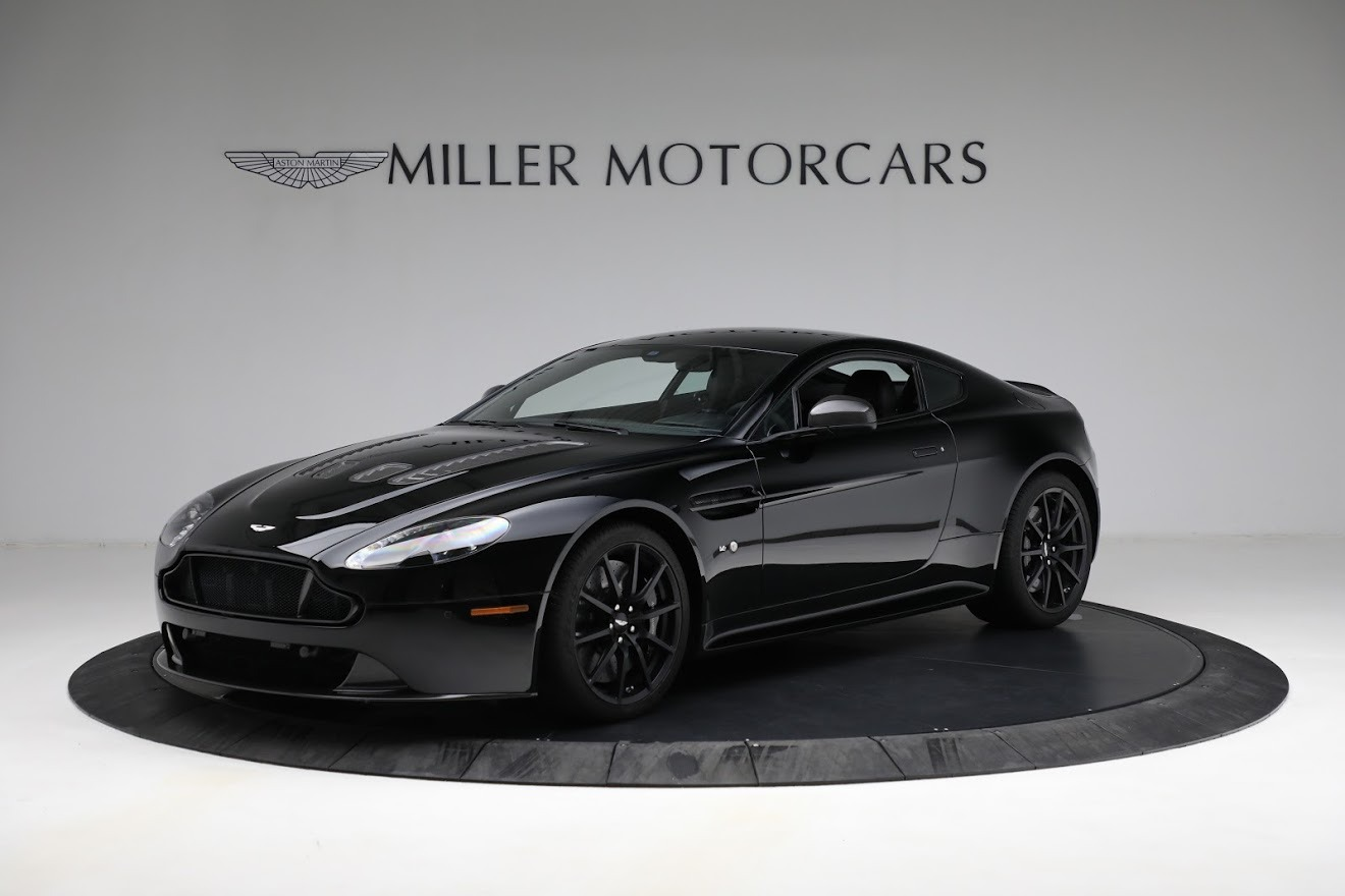 Used 2015 Aston Martin V12 Vantage S for sale $119,900 at Pagani of Greenwich in Greenwich CT 06830 1