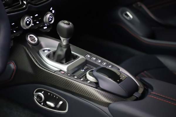 New 2021 Aston Martin Vantage for sale $189,686 at Pagani of Greenwich in Greenwich CT 06830 16