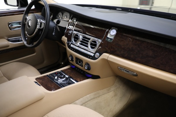 Used 2011 Rolls-Royce Ghost for sale Call for price at Pagani of Greenwich in Greenwich CT 06830 13