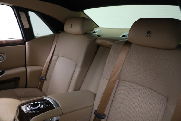 Used 2011 Rolls-Royce Ghost for sale Call for price at Pagani of Greenwich in Greenwich CT 06830 16
