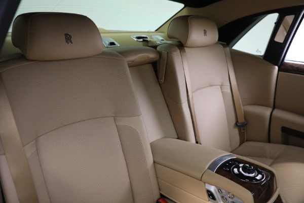 Used 2011 Rolls-Royce Ghost for sale Call for price at Pagani of Greenwich in Greenwich CT 06830 17