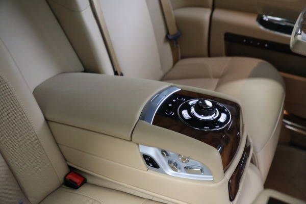 Used 2011 Rolls-Royce Ghost for sale Call for price at Pagani of Greenwich in Greenwich CT 06830 21