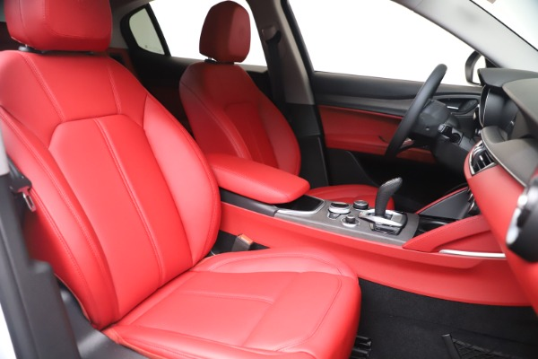 New 2021 Alfa Romeo Stelvio Ti Q4 for sale $53,740 at Pagani of Greenwich in Greenwich CT 06830 21