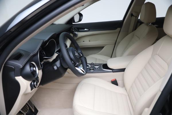 New 2021 Alfa Romeo Stelvio Ti Q4 for sale $54,755 at Pagani of Greenwich in Greenwich CT 06830 16
