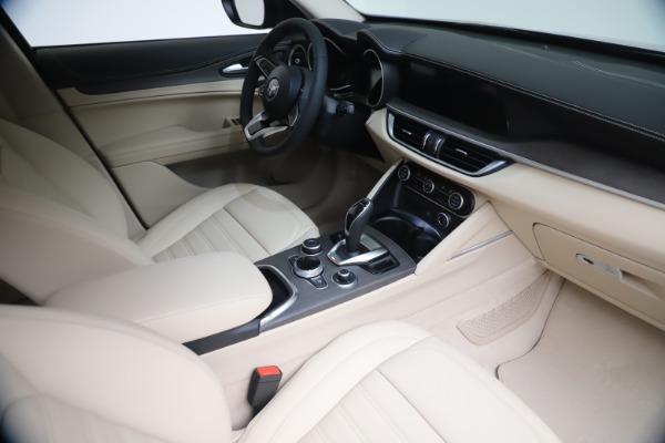 New 2021 Alfa Romeo Stelvio Ti Q4 for sale $54,755 at Pagani of Greenwich in Greenwich CT 06830 19