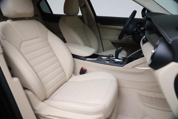 New 2021 Alfa Romeo Stelvio Ti Q4 for sale $54,755 at Pagani of Greenwich in Greenwich CT 06830 21