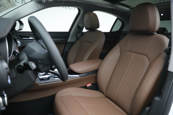 New 2021 Alfa Romeo Stelvio Ti Q4 for sale $54,840 at Pagani of Greenwich in Greenwich CT 06830 15