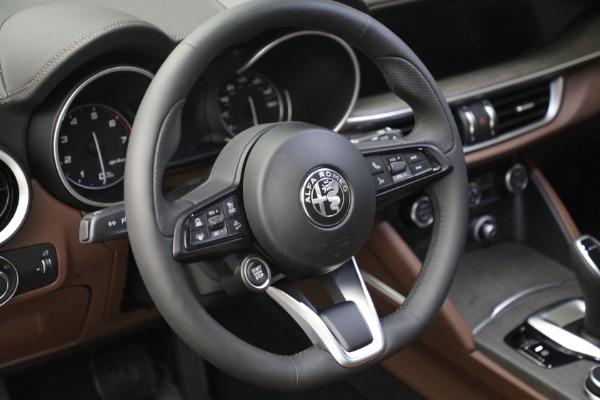 New 2021 Alfa Romeo Stelvio Ti Q4 for sale $54,840 at Pagani of Greenwich in Greenwich CT 06830 17