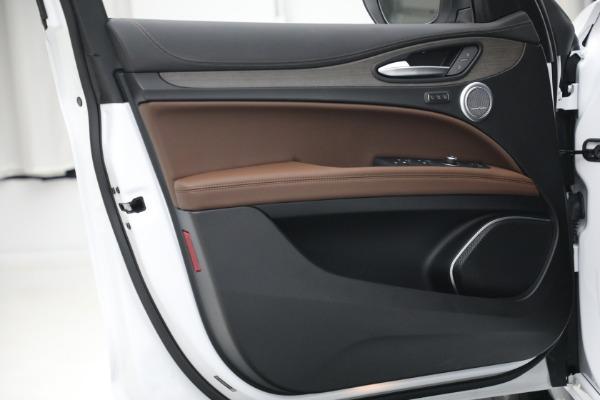 New 2021 Alfa Romeo Stelvio Ti Q4 for sale $54,840 at Pagani of Greenwich in Greenwich CT 06830 21