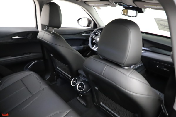 New 2021 Alfa Romeo Stelvio Q4 for sale $50,535 at Pagani of Greenwich in Greenwich CT 06830 26