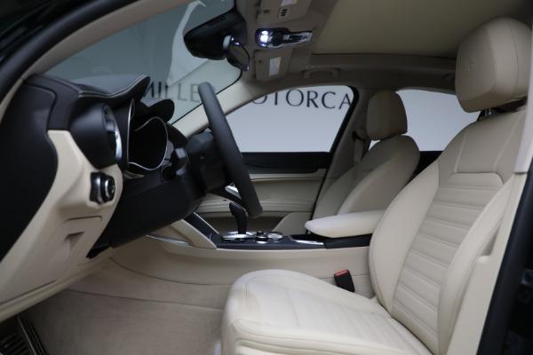 New 2021 Alfa Romeo Stelvio Ti Q4 for sale $55,205 at Pagani of Greenwich in Greenwich CT 06830 14