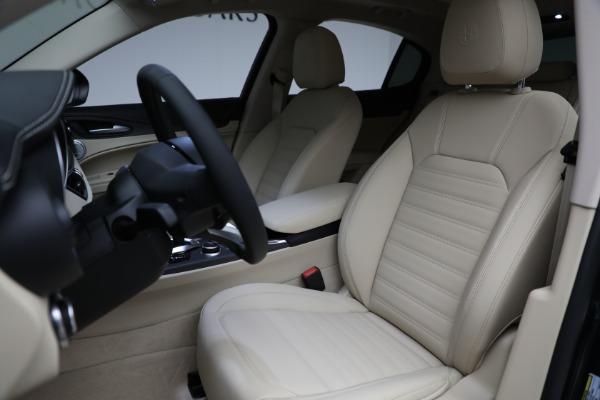 New 2021 Alfa Romeo Stelvio Ti Q4 for sale $55,205 at Pagani of Greenwich in Greenwich CT 06830 15