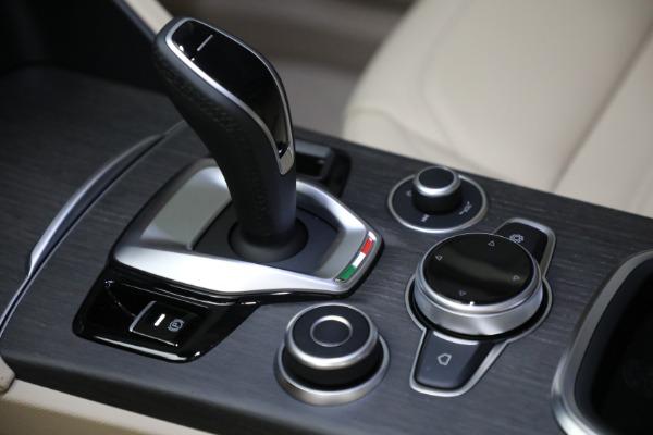 New 2021 Alfa Romeo Stelvio Ti Q4 for sale $55,205 at Pagani of Greenwich in Greenwich CT 06830 21