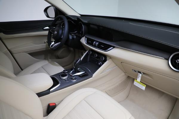 New 2021 Alfa Romeo Stelvio Ti Q4 for sale $55,205 at Pagani of Greenwich in Greenwich CT 06830 27