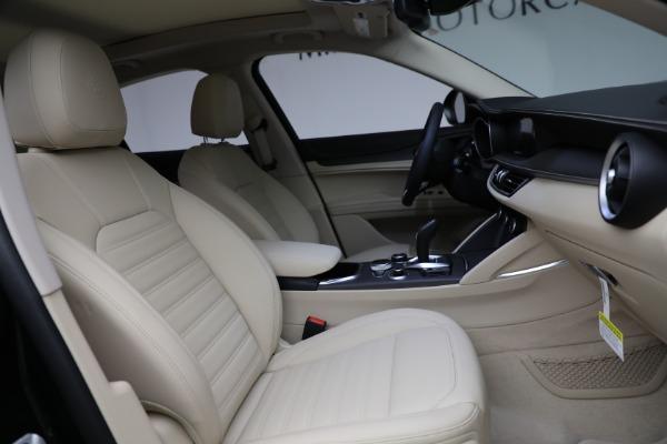 New 2021 Alfa Romeo Stelvio Ti Q4 for sale $55,205 at Pagani of Greenwich in Greenwich CT 06830 28
