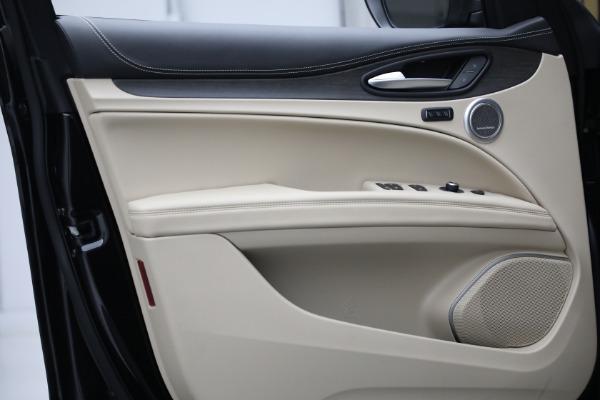 New 2021 Alfa Romeo Stelvio Ti Q4 for sale $57,400 at Pagani of Greenwich in Greenwich CT 06830 13