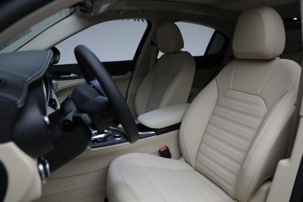 New 2021 Alfa Romeo Stelvio Ti Q4 for sale $57,400 at Pagani of Greenwich in Greenwich CT 06830 17