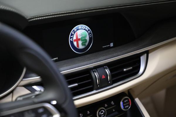 New 2021 Alfa Romeo Stelvio Ti Q4 for sale $57,400 at Pagani of Greenwich in Greenwich CT 06830 21