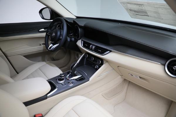 New 2021 Alfa Romeo Stelvio Ti Q4 for sale $57,400 at Pagani of Greenwich in Greenwich CT 06830 28