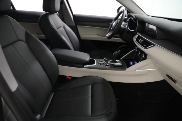 New 2021 Alfa Romeo Stelvio Ti Q4 for sale $54,400 at Pagani of Greenwich in Greenwich CT 06830 21