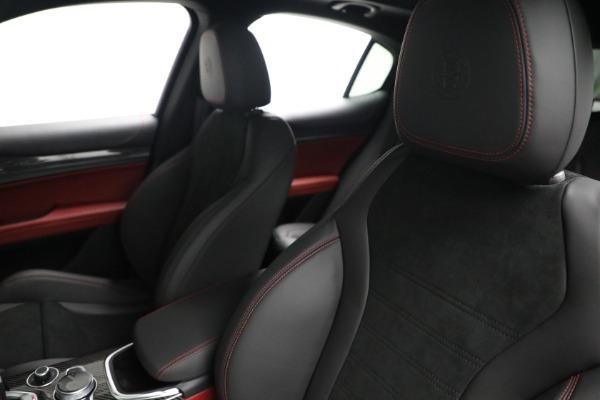 New 2021 Alfa Romeo Stelvio Quadrifoglio for sale $88,550 at Pagani of Greenwich in Greenwich CT 06830 15