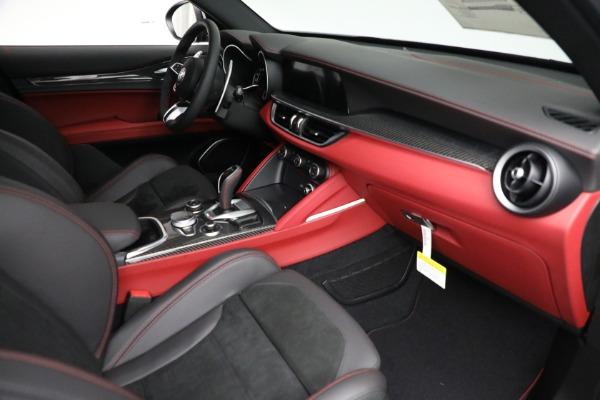 New 2021 Alfa Romeo Stelvio Quadrifoglio for sale $88,550 at Pagani of Greenwich in Greenwich CT 06830 22
