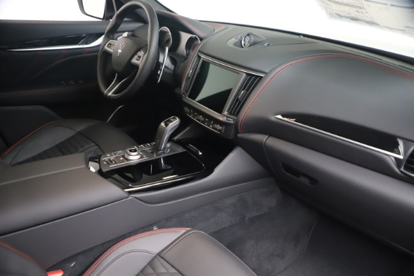 New 2021 Maserati Levante GranSport for sale Call for price at Pagani of Greenwich in Greenwich CT 06830 18