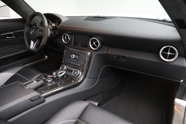 Used 2012 Mercedes-Benz SLS AMG for sale $159,900 at Pagani of Greenwich in Greenwich CT 06830 18