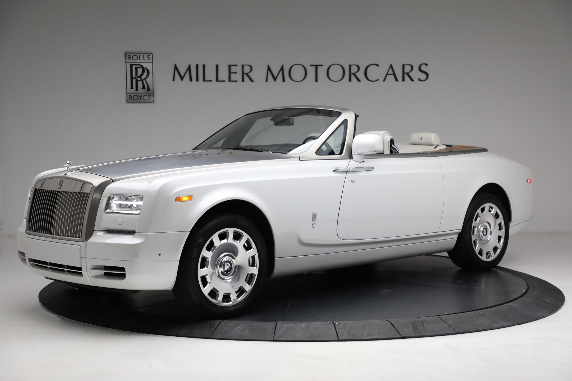 Used 2017 Rolls-Royce Phantom Drophead Coupe for sale Call for price at Pagani of Greenwich in Greenwich CT 06830 1