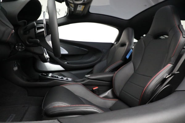 New 2021 McLaren GT for sale $217,275 at Pagani of Greenwich in Greenwich CT 06830 20