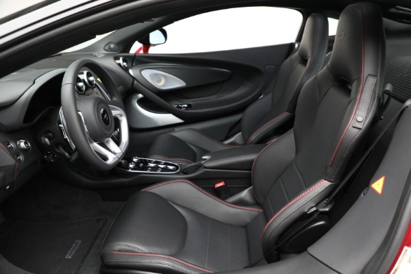 New 2021 McLaren GT for sale $217,275 at Pagani of Greenwich in Greenwich CT 06830 21