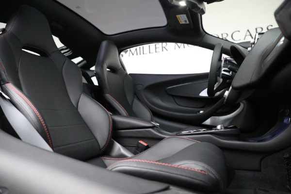 New 2021 McLaren GT for sale $217,275 at Pagani of Greenwich in Greenwich CT 06830 23