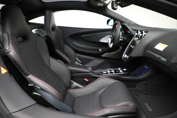 New 2021 McLaren GT for sale $217,275 at Pagani of Greenwich in Greenwich CT 06830 24