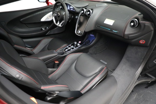 New 2021 McLaren GT for sale $217,275 at Pagani of Greenwich in Greenwich CT 06830 25