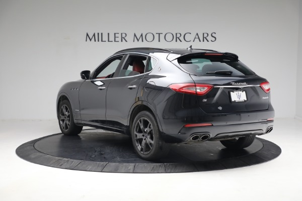 Used 2018 Maserati Levante GranSport for sale Call for price at Pagani of Greenwich in Greenwich CT 06830 4