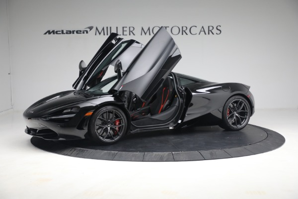 New 2021 McLaren 720S Performance for sale $344,500 at Pagani of Greenwich in Greenwich CT 06830 17