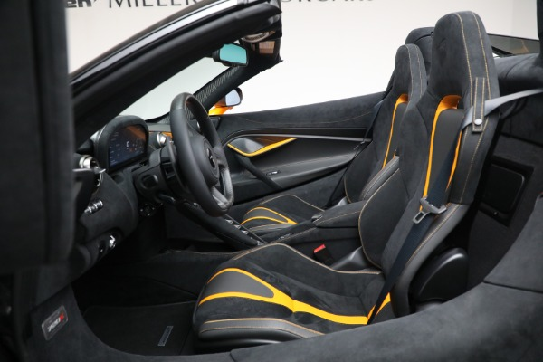 New 2021 McLaren 720S Spider for sale $378,110 at Pagani of Greenwich in Greenwich CT 06830 25