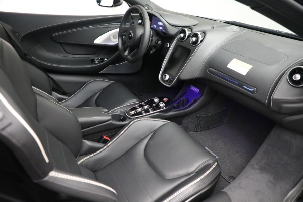 New 2021 McLaren GT Luxe for sale $217,205 at Pagani of Greenwich in Greenwich CT 06830 21