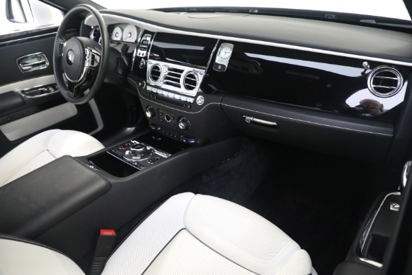 Used 2017 Rolls-Royce Ghost for sale $219,900 at Pagani of Greenwich in Greenwich CT 06830 12