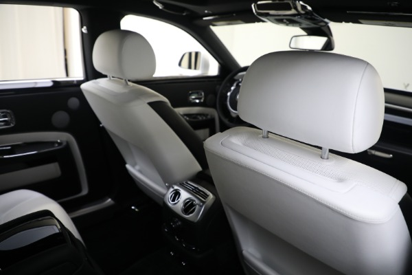 Used 2017 Rolls-Royce Ghost for sale $219,900 at Pagani of Greenwich in Greenwich CT 06830 18