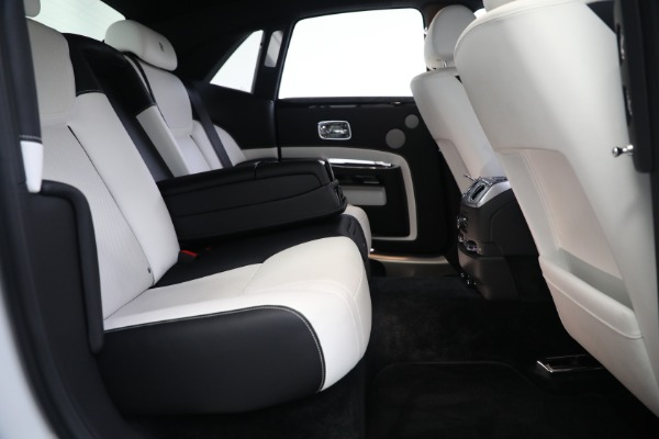 Used 2017 Rolls-Royce Ghost for sale $219,900 at Pagani of Greenwich in Greenwich CT 06830 24
