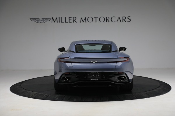 Used 2018 Aston Martin DB11 V12 for sale $164,990 at Pagani of Greenwich in Greenwich CT 06830 5