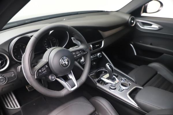 New 2022 Alfa Romeo Giulia Veloce for sale $49,245 at Pagani of Greenwich in Greenwich CT 06830 13