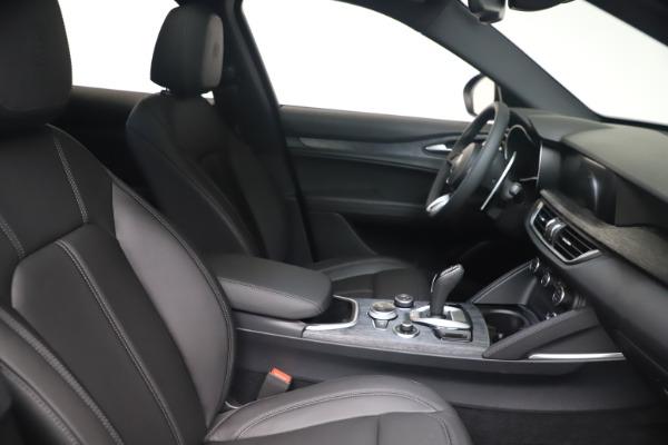 New 2022 Alfa Romeo Stelvio Sprint for sale $52,305 at Pagani of Greenwich in Greenwich CT 06830 19