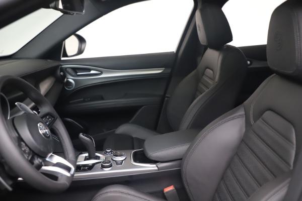 New 2022 Alfa Romeo Stelvio Veloce for sale $57,405 at Pagani of Greenwich in Greenwich CT 06830 14