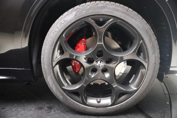 New 2022 Alfa Romeo Stelvio Veloce for sale $57,405 at Pagani of Greenwich in Greenwich CT 06830 24