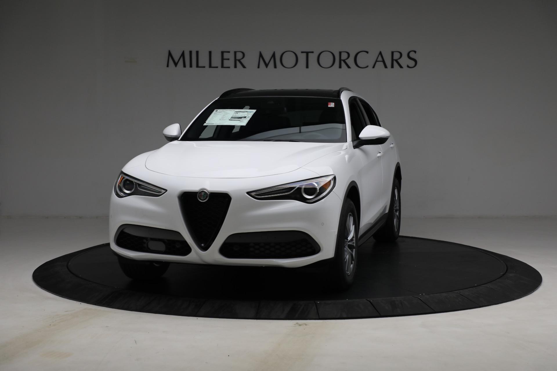 New 2022 Alfa Romeo Stelvio Sprint for sale $50,445 at Pagani of Greenwich in Greenwich CT 06830 1