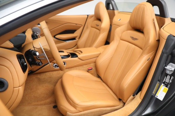 New 2021 Aston Martin Vantage Roadster for sale $174,586 at Pagani of Greenwich in Greenwich CT 06830 14