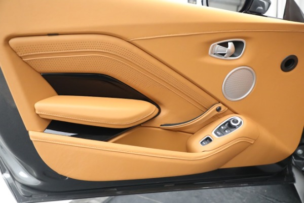 New 2021 Aston Martin Vantage Roadster for sale $174,586 at Pagani of Greenwich in Greenwich CT 06830 15